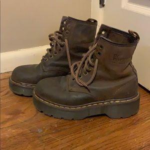 Dr Martens Vintage Platform 8 eye brown boots UK 4